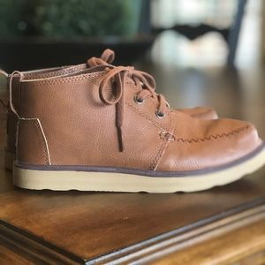 Toms leather boots